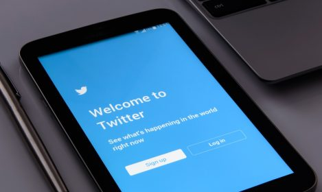 tablet screen showing Twitter login page